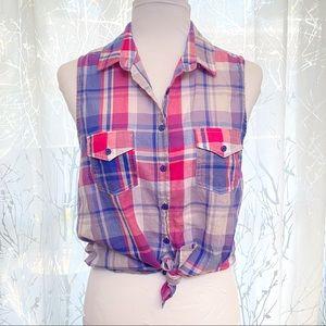 ⚠️ Teenbell white blue pink plaid button tank top
